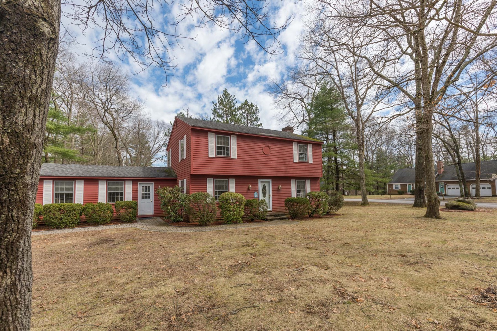 15 Woodknoll Drive North Hampton, NH