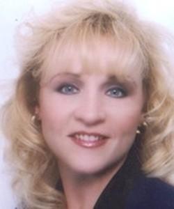 Karen Alejandro